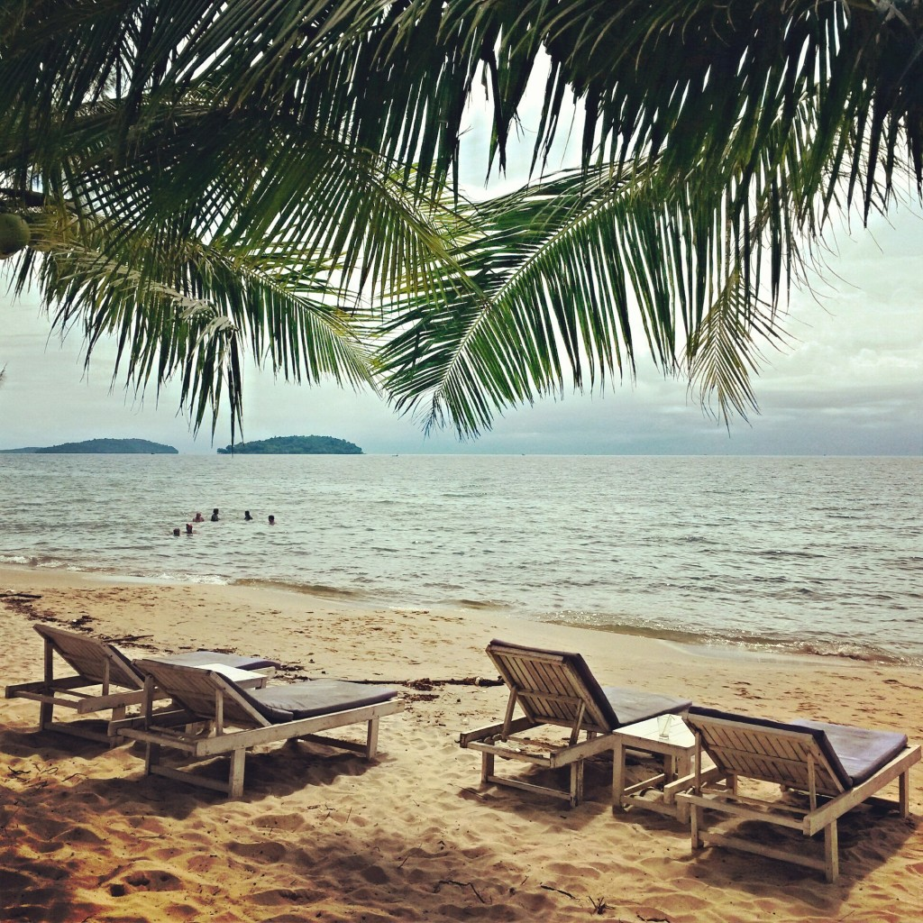 Пляж Отрес. Один из моих любимых пляжей в Сиануквиле.